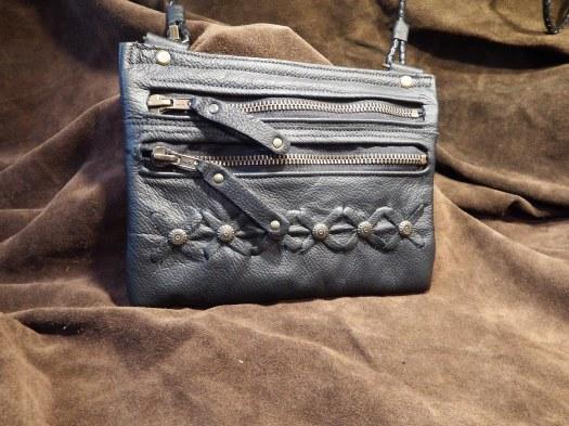 Pochette cuir doubles poches zippées